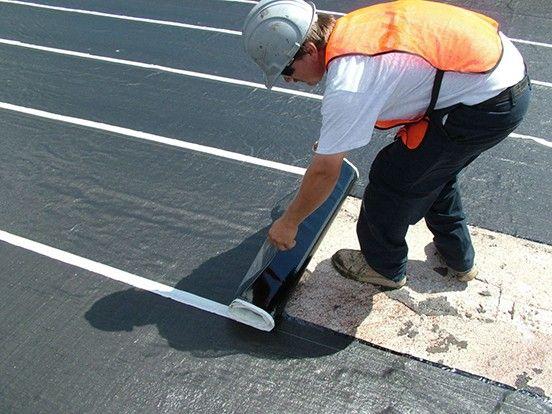 Aplicação de asfalto quente
